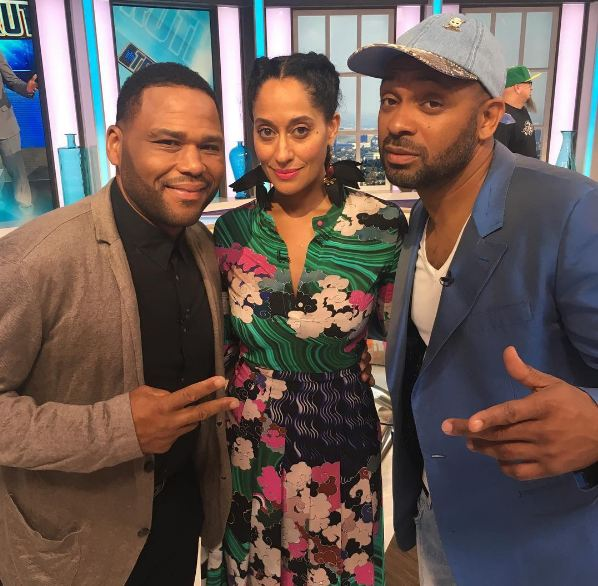 Hanging with my @abcnetwork family! @abcunclebuck tonite y'all check us out ! @anthonyanderson @traceeellisross
