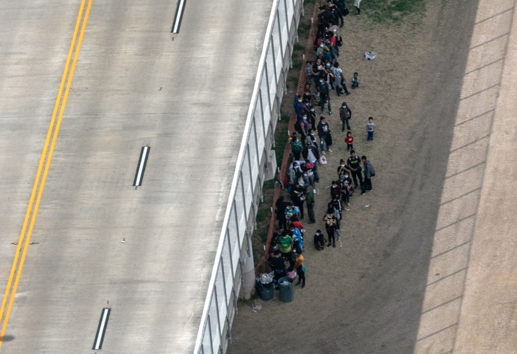 Biden Allows Thousands of Haitian Migrants to Shelter Under Texas Bridge Amid Pandemic